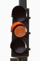 semáforo amarelo